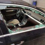 Kas turi atlyginti nuostolius už servise apvogtą automobilį?