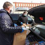 Dalijamos apsaugos priemonės, vyksta dezinfekcija, džiaugiamasi pagalbininkais