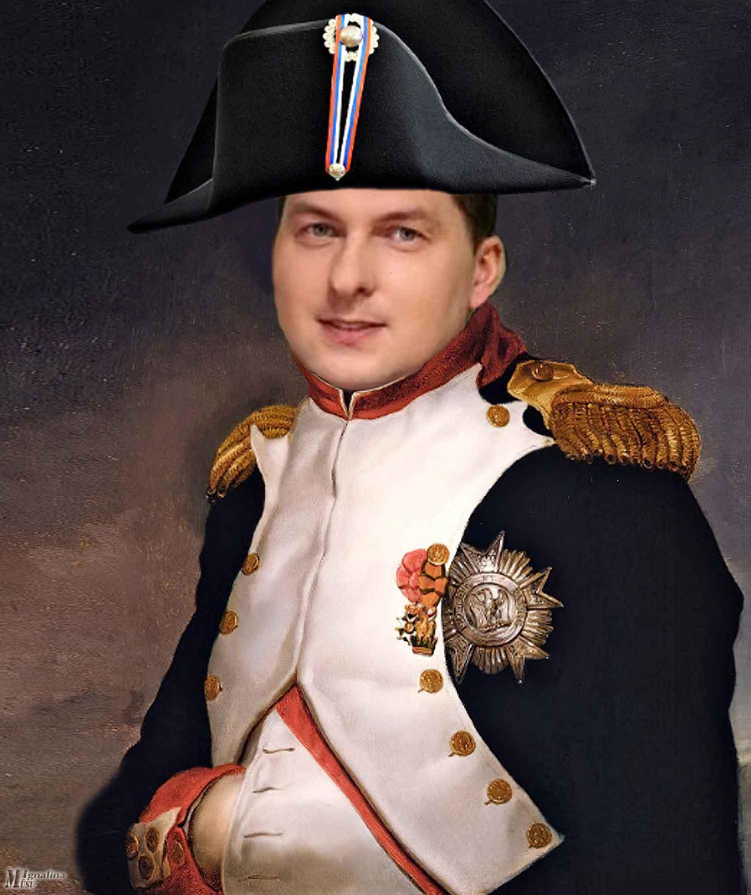 """Buvo kadaise Prancūzijos karalius Liudvikas XIV, tuo metu žmonių pramintas Karalius Saulė. Tai jis sakė – """"Valstybė – tai Aš"""". Perfrazavus, šis pasakymas tinka dabartiniam Ignalinos merui – """"Savivaldybė – tai Aš"""". Tačiau savo elgesiu ir darbais jis labiau primena kitą prancūzų imperatorių Napoleoną Bonapartą. Pažiūrėkite, argi nepanašus?.."""